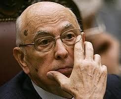 Napolitano_Mano_su_Viso