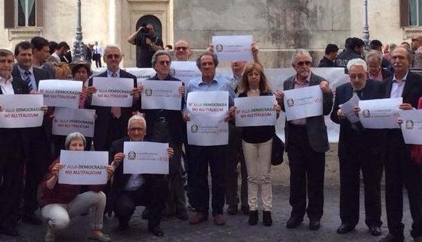 PRESENTATI IN CASSAZIONE DUE QUESITI PER OTTENERE REFERENDUM ABROGATIVI DELL'ITALICUM