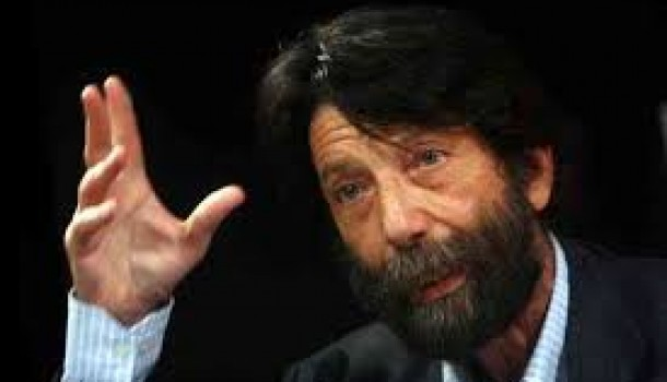 Cacciari: Il primato della politica? Renzi l'ha sostituita con tecnici e amici