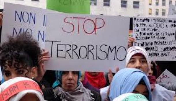 """""""Not in my name"""": i musulmani d'Italia contro il terrorismo, ma la politica è sorda"""