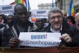 Unions per il contratto e contro la legge di Stabilità. Landini a Roma, 'Renzi, noi non ci fermiamo'