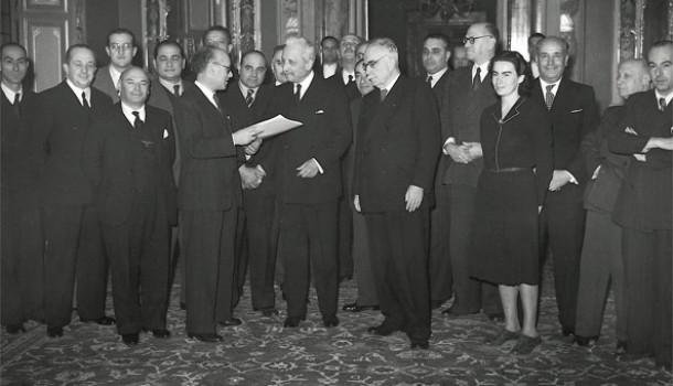 Chi piega la Carta alla lotta politica
