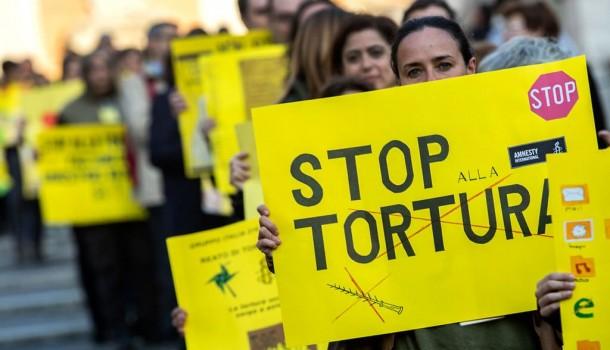Un appello/La legge contro la tortura è troppo distante dagli standard internazionali