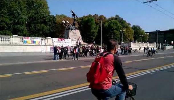 """Manifestazione """"Contro i bus dell'odio"""""""