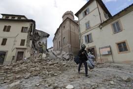 Dopo il terremoto/Camerino, abitanti senza casa e restauri fermi