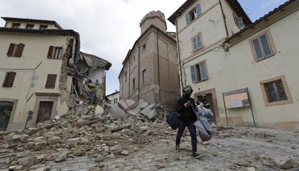Dopo il terremoto camerino abitanti senza casa e restauri fermi libert e giustizia - Casa senza fondamenta terremoto ...