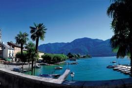Lago Maggiore/Ristoranti e bar galleggianti con la benedizione di Christo