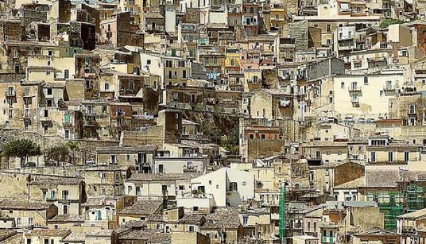 Basta condoni edilizi! Università e Scuola aderiscano a petizione di Italia Nostra Nostra