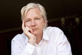 """Wikileaks, Il caso Assange nel librodi Stefania Maurizi""""Il potere segreto"""""""